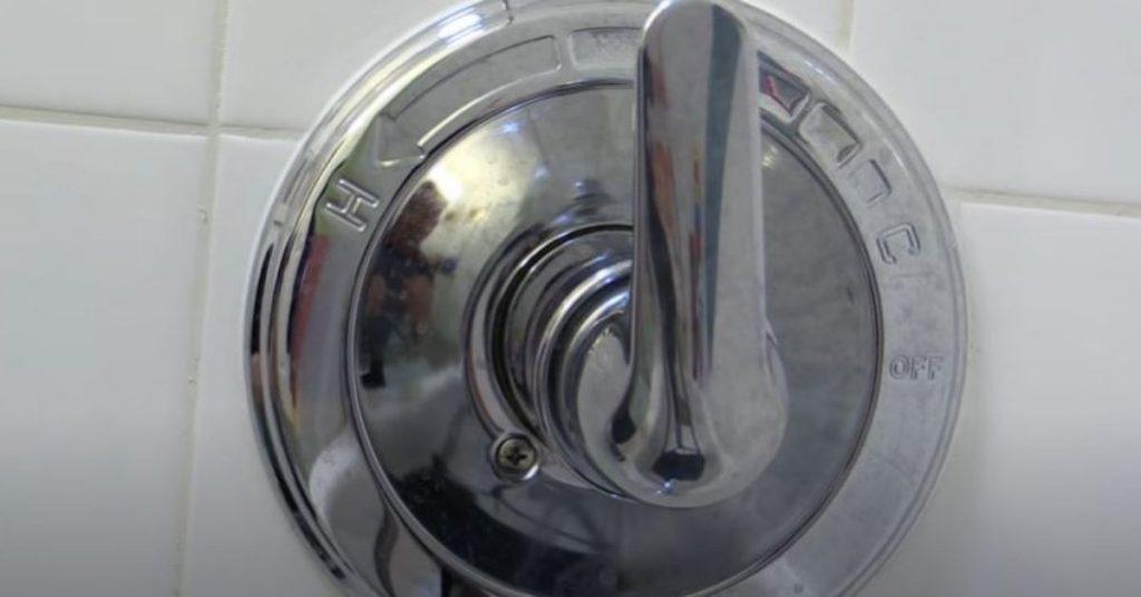 single-handle-shower-faucet